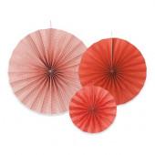 Pappersrosetter i rött och vitt