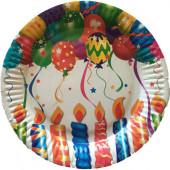 Papperstallrikar med ljus och ballonger