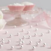 Hvide perler til festbordet