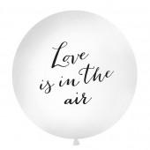 Balloon med teksten Love is in the air