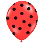 Röda ballonger med svarta pricka