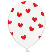 Hvide balloner med røde hjerter